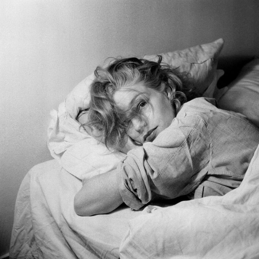 Simone Signoret photographed by Serge Lido, 1950