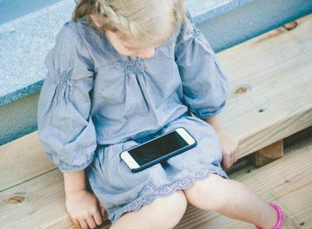 """""""I social renderanno i nostri figli analfabeti in 20 anni. Non vorranno più leggere. Riaccendiamo la luce sulle pagine dei libri"""""""