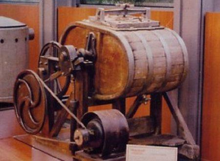 La prima lavatrice in Italia, introdotta a Napoli dai Borbone