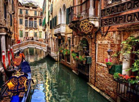 """Venezia, Daspo per i turisti maleducati: """"espulsioni"""" per 48 ore"""