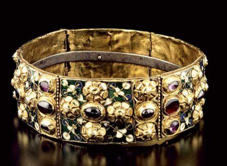 La Corona Ferrea: uno dei prodotti di oreficeria più importanti e densi di significato di tutta la storia dell'Occidente.